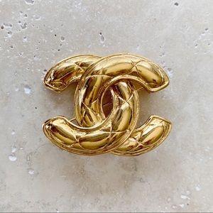 VINTAGE CHANEL CC Quilted Brooch Pin